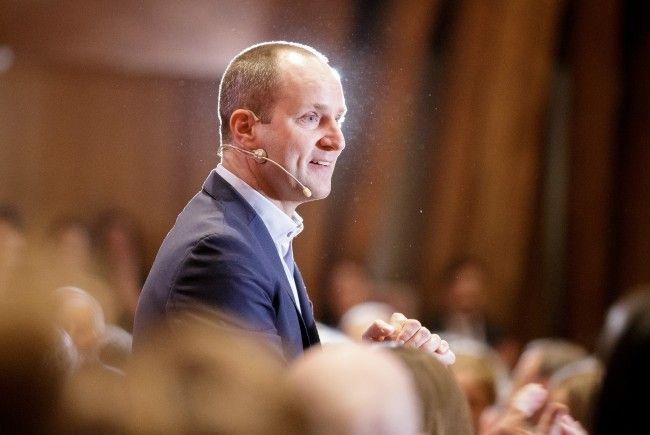 NEOS-Chef Strolz präsentierte am Freitag einen neuen inhaltlichen Partner