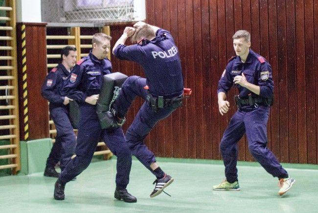 """""""Ein Tag in der Rolle eines Polizeischülers"""""""