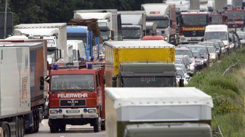 Schwerer LKW-Unfall auf der A2