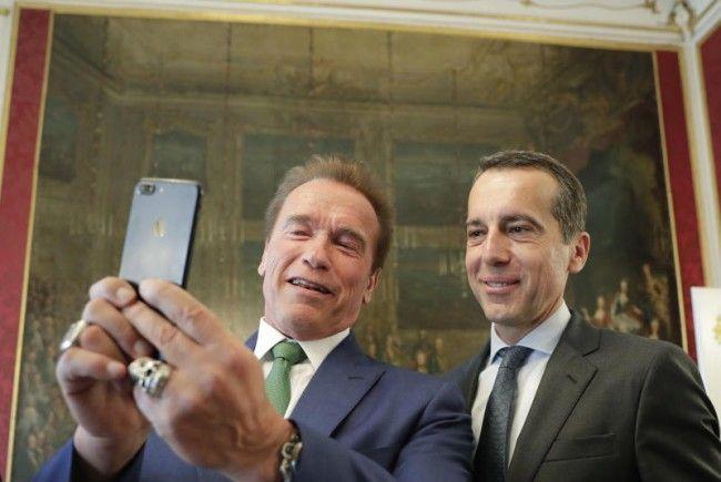 Arnold Schwarzenegger und Bundeskanzler Christian Kern - und das Selfie.