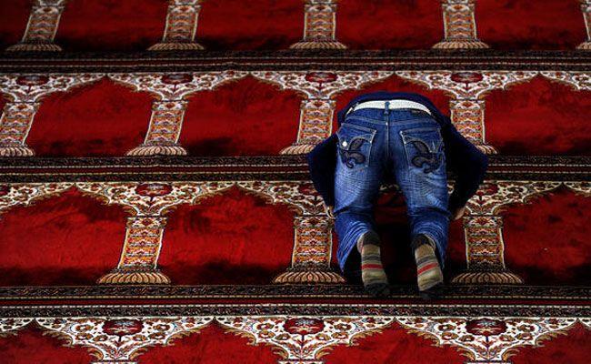 Während eines Gebets wurden die Handys aus der Moschee gestohlen.