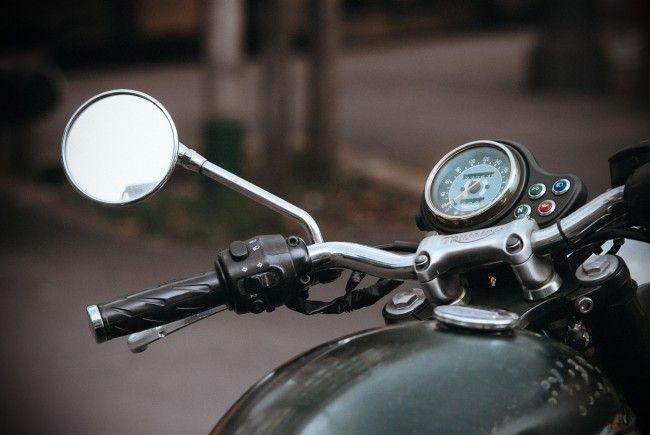Die beiden Teenager wurden bei dem Motorradunfall schwer verletzt.