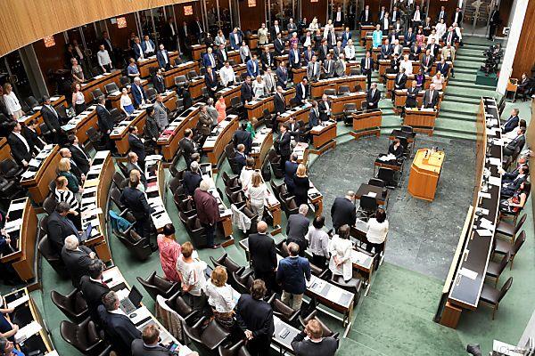 Auch der Nationalrat muss übersiedeln
