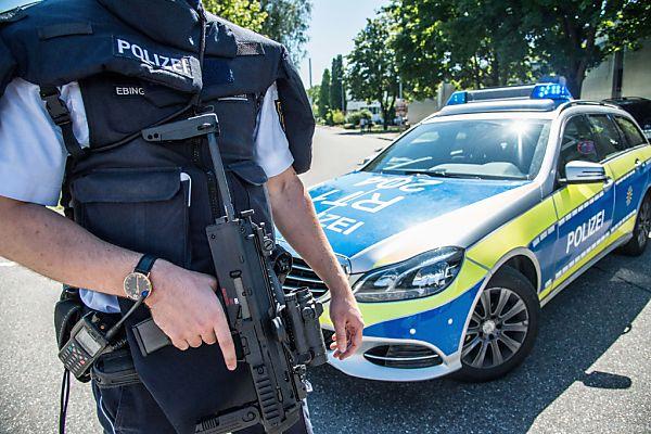 Die Polizei sucht weiterhin nach dem Unbekannten