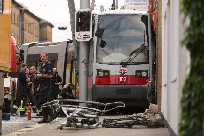 Straßenbahn in Meidling entgleist: An der Unfallstelle
