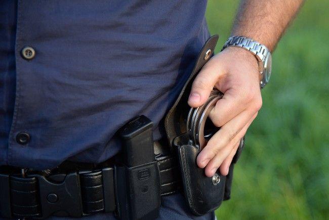 Die Festnahmeanordnung gestaltete sich für die Beamten schwierig.