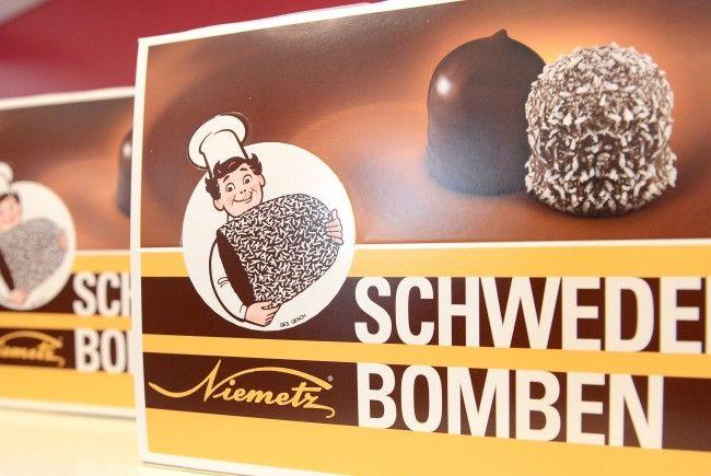 Vanessa Sahinovic freute sich über die Spendenaktion des Schwedenbombenhersteller Niemetz.
