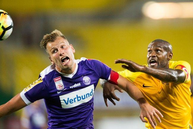 Alex Grünwald (l.) und die Austria kamen gegen AEL Limassol nicht über ein torloses Remis hinaus.