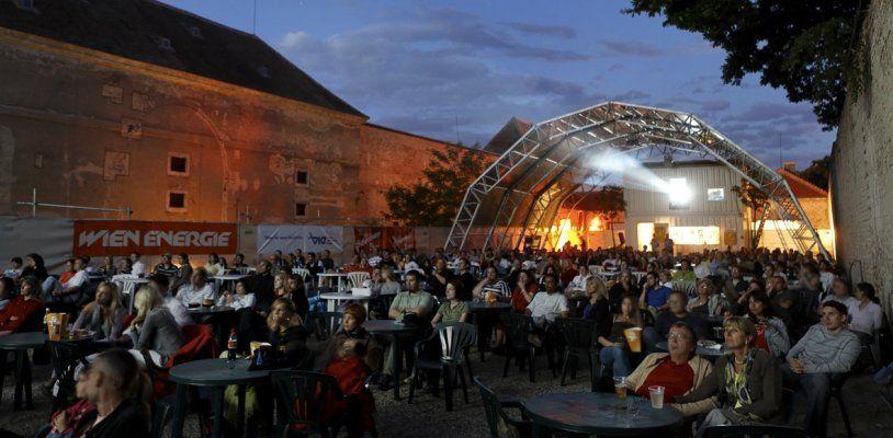 Kino im Schloss Neugebäude vor dem Aus: Sommerkino auf Willhaben zum Verkauf