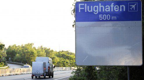 Unfall mit Flughafenbus: A4 gesperrt - Kilometerweiter Stau