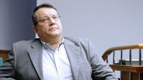 Verfahrensfehler: Küssel erhält seine NS-Devotionalien zurück