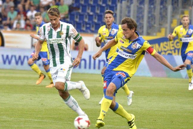 Rapid Wien fährt gegen SKN St. Pölten den ersten Sieg der Saison ein.