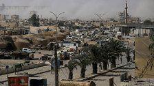 Tausende Zivilisten sitzen in Raqqa fest
