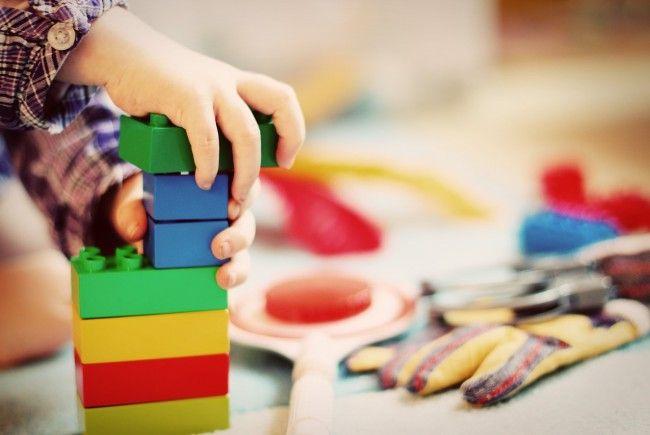 So wählen sie das beste Spielzeug für Ihr Kind aus.