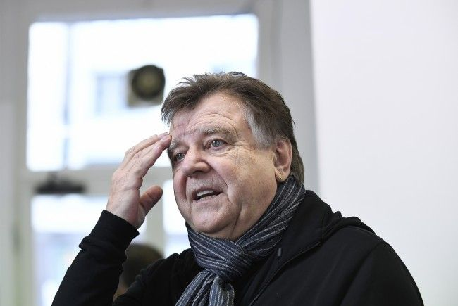 Der Kabarettist und Schauspieler Lukas Resetarits wird mit dem Österreichischen Kabarettpreis geehrt