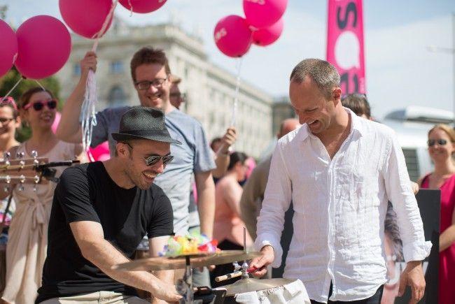 Die NEOS haben ihre Sommertour im Wiener Museumsquartier gestartet.