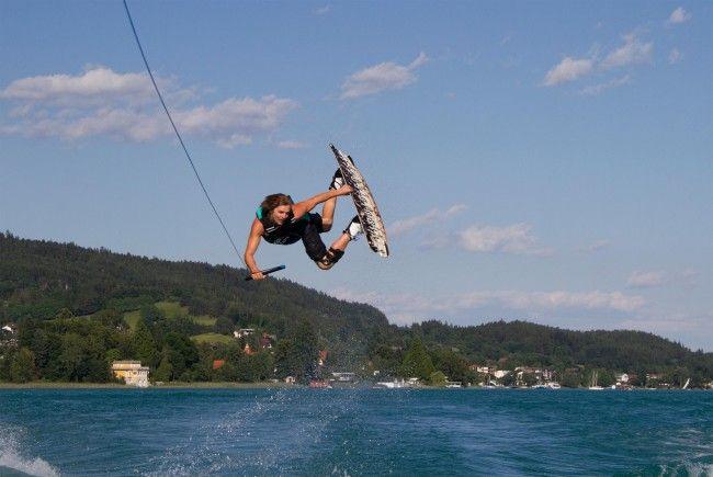 Am Wochenende treffen sich in Kritzendorf die Profis im Wakeboarden und -surfen.