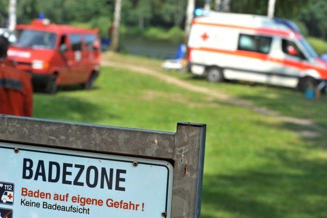 Eine siebenjährige Wienerin ist in den Attersee gefallen.