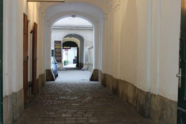 In den Durchhäusern der Wiener Innenstadt bedienten Prostituierte ihre Freier.