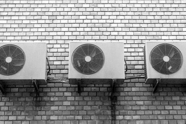 Der AK-Preistest vergleicht die Kosten für Klimaanlagen.