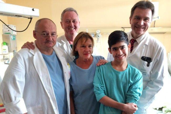 Der 13-Jährige, der im vergangenen Jahr mehr als 30 Minuten unter Wasser lag, hat sich gut erholt.