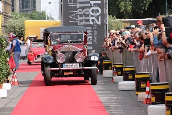 Bei den Vienna Classic Days fahren in Wien die Oldtimer auf