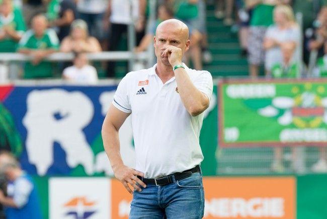 TV-Bilder zeigen: Bespuckte Rapid Wien-Coach Djuricin einen Admira-Betreuer?