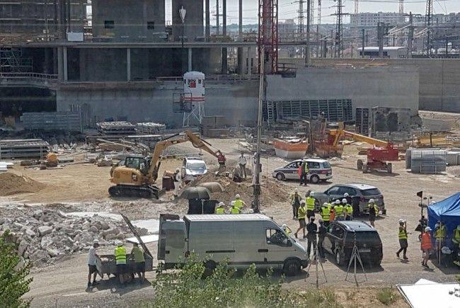 """Die Dreharbeiten zu """"Schnell ermittelt"""" sorgen am Freitag in Wien für Aufregung."""
