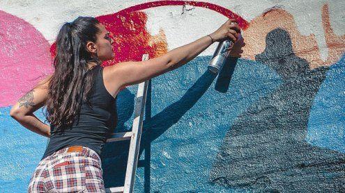 Graffiti-Sprayerin (26) attackierte einen Polizisten in der Innenstadt