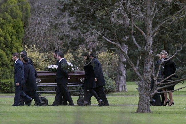 Die Beerdigung von Maximas Vater.