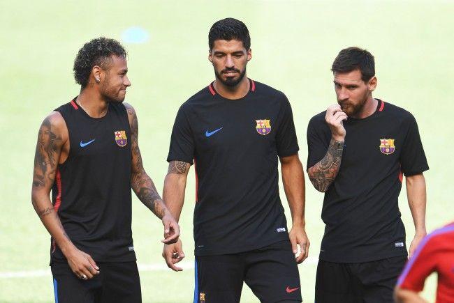 Neymar, Suarez und Messi nahmen nun Kollegen Pique auf die Schippe.