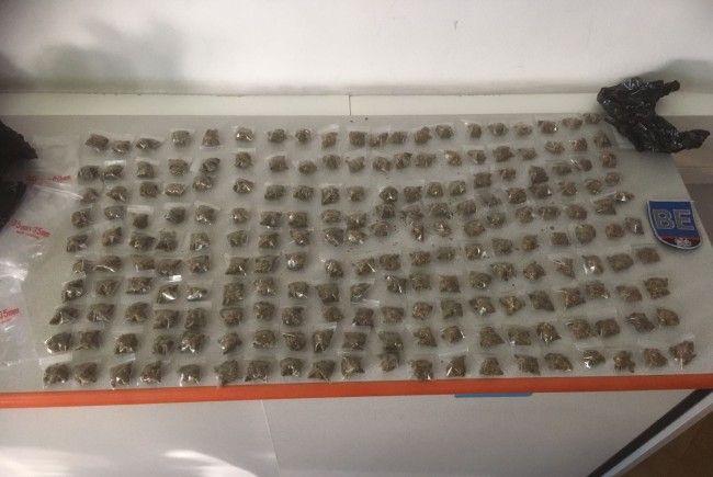 Bei einer Lokalkontrolle in Wien-Ottakring fanden die Polizisten 200 Baggies Marihuana.