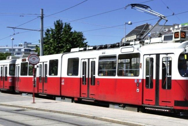 Am Donnerstag ereigene sich in Wien-Meidling ein Unfall mit einer Bim und der Badner Bahn.