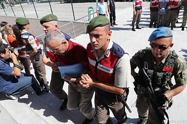 Türkei jagt noch immer Gegner