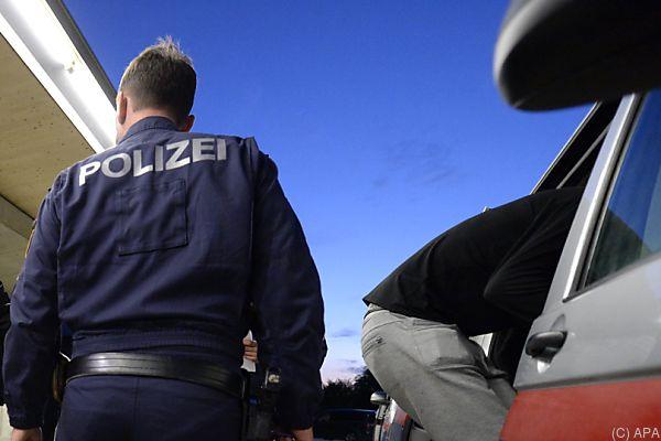 In Floridsdorf und Rudolfsheim-Fünfhaus schlugen die Beamten zu
