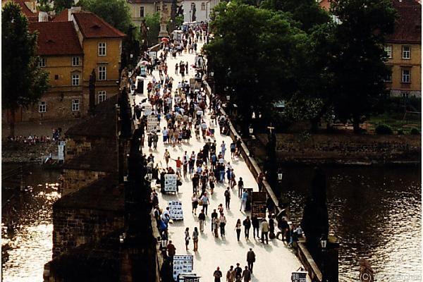 Zwei Touristen bargen Triska bewusstlos aus der Moldau