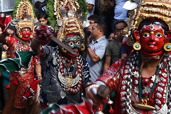Die Zeremonie wird von einem großen Fest begleitet