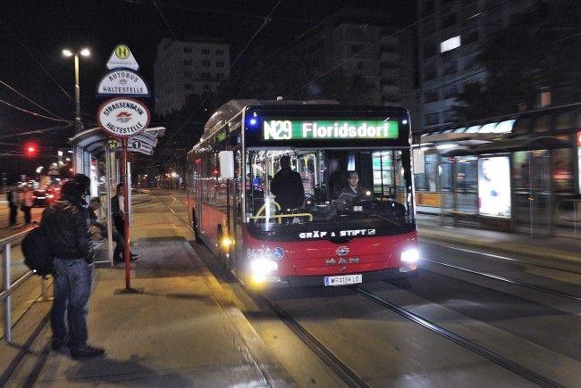 Ein Nachtbus-Lenker der Wiener Linien beobachtete den Zwischenfall