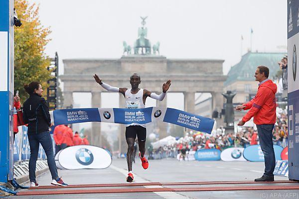 Der Sieger vor dem Brandenburger Tor