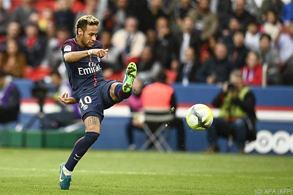 Zwei Tore von Neymar
