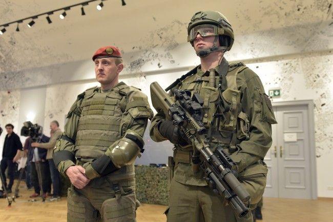 Bei der Beschaffung neuer Uniformen für das Bundesheer soll eine möglichst hohe Wertschöpfung in Österreich erreicht werden.