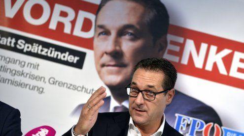 """Strache als """"Vord_enker"""": Neue Plakate der FPÖ für """"Fairness"""""""