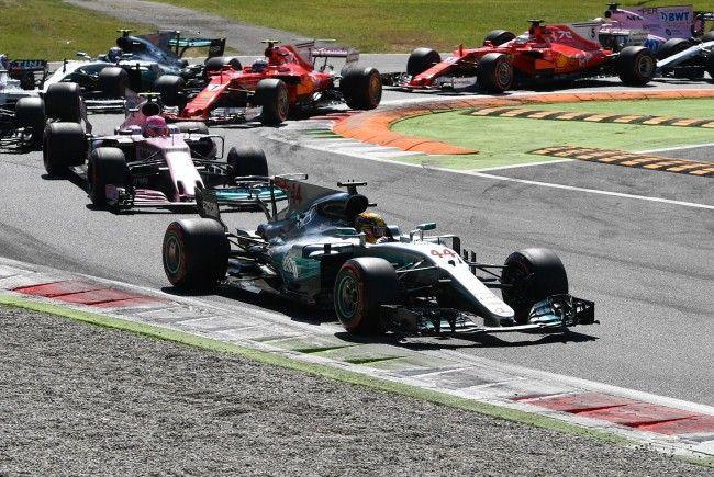 Der Mercedes-Pilot setzte sich am Sonntag vor seinem Teamkollegen Valtteri Bottas und Ferrari-Star Sebastian Vettel durch.