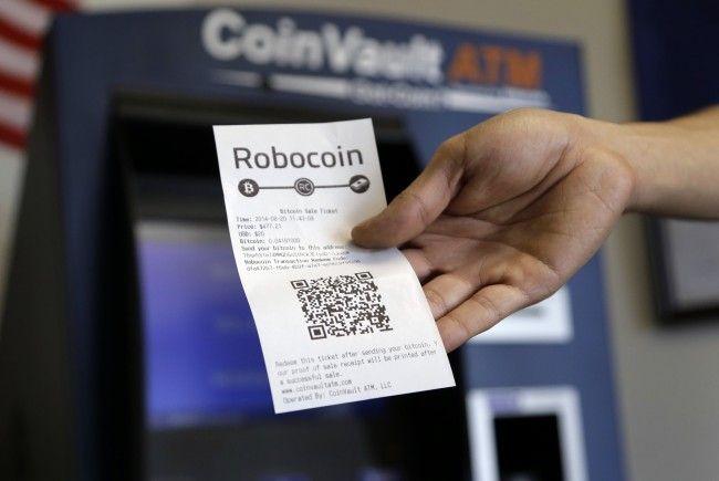 Betrüger ergaunern telefonisch Codes von Bitcoin Ladebons und lösen diese ein
