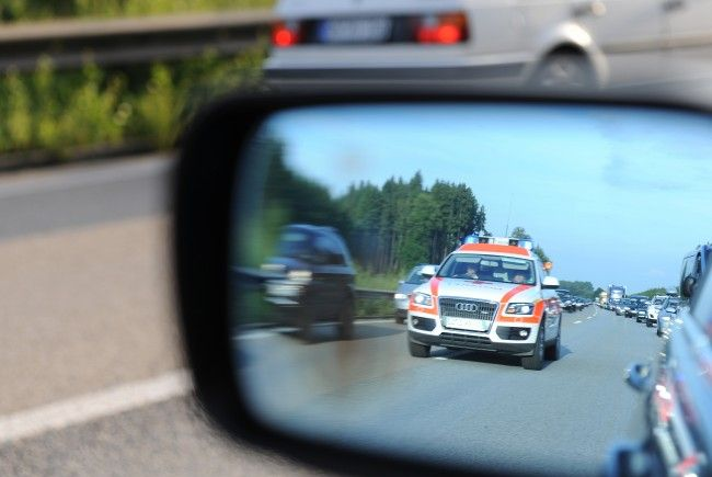 Vier Personen wurden bei einem Verkehrsunfall in Wien-Döbling verletzt.