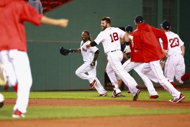 Die Boston Red Sox sollen mithilfe einer Smart-Watch betrogen haben.