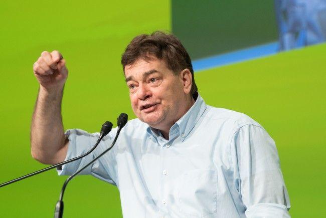 Der Grüne Werner Kogler will eine zeitnahe Debatte zu CETA im Nationalrat