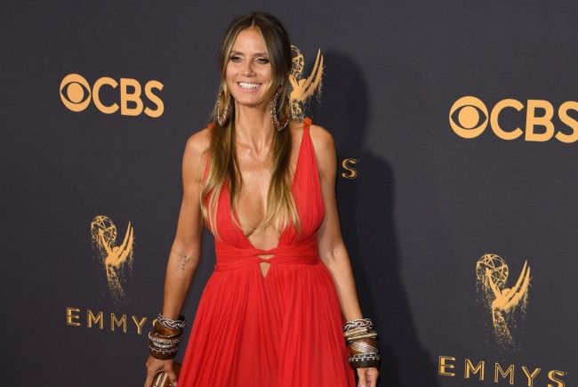 Heidi Klum präsentierte sich in einem hautengen roten Lederkleid.