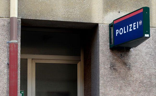 Der beschuldigte Messerstecher stellte sich der Polizei.