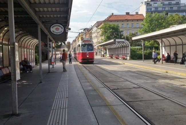 Nachdem die 67er Straßenbahn nicht mehr über den Reumannplatz fährt, wird dieser umgestaltet.